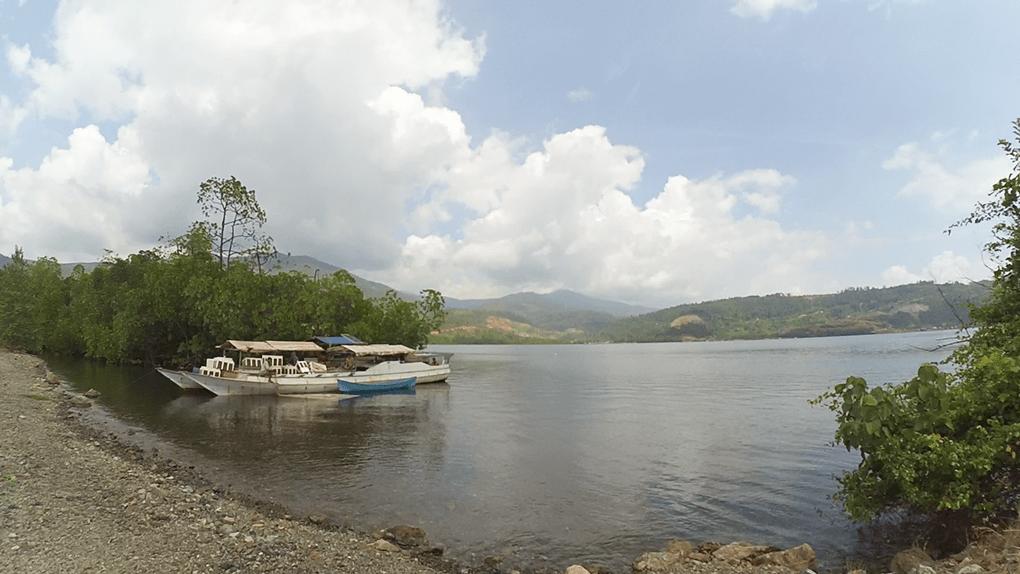 Terkepung Bagang, Tambang, dan Hutan